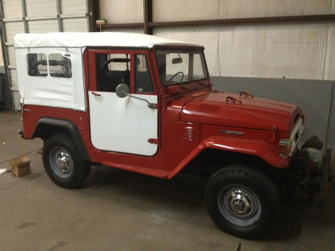 custom white land cruiser soft top by Anchor Stitch, formerly J&A Sewing, of Easley, SC